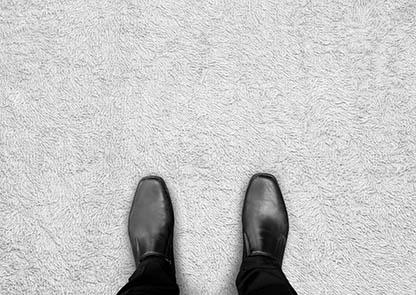 Porady czyszczenie office wykładzina stopy