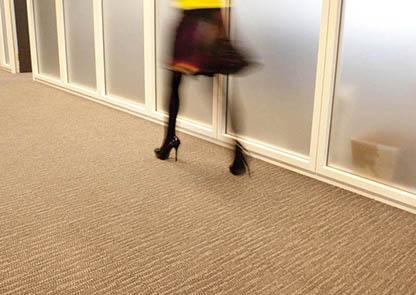 Porady czyszczenie ruch podłoga korytarze