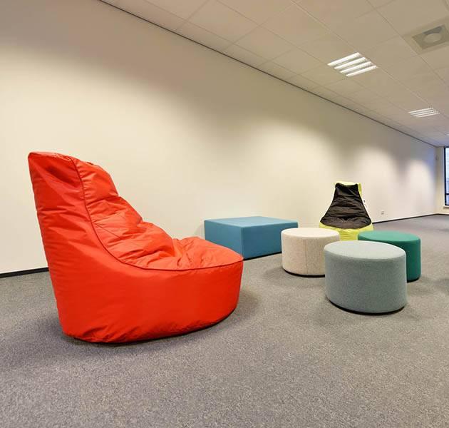 Inspiration Grande Reference office dalles Metropolitan grafik block espace detente