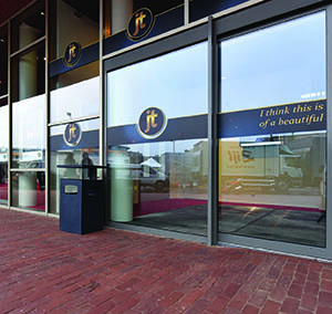 Inspiracja Wysoka Klasa hotel office kino design projekt konstelacja widok z zewnątrz budynku