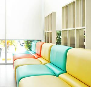 Inspiracja kolory sztuka dekoracyjna kanapy