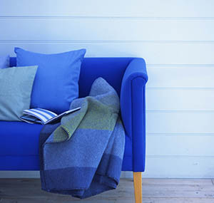 Inspiracja kolory sztuka dekoracyjna kanapy niebieski